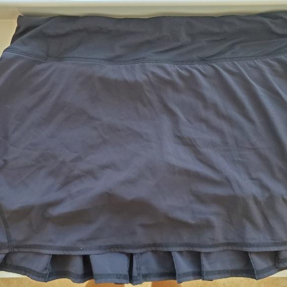 lululemon athletica Dresses & Skirts - Size 8 tall Pace setter skirt